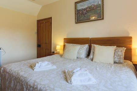Room 2 Dahlia (2 of 3) - Truro