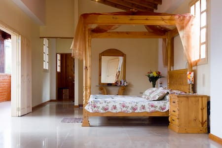 Deluxe Suite at Villa Beatriz - Vilcabamba - Bed & Breakfast