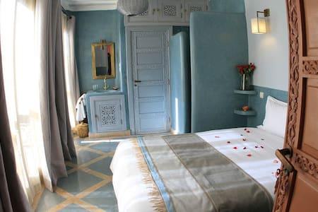 Chambre Aïcha, Riad Birdy - Bed & Breakfast