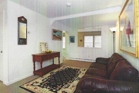 Guest Cottage on Historic Property - Stockton