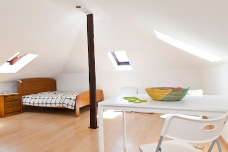 Sunny attic loft with Tagus view - Lisboa
