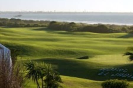 Amazing Villa Front sea! Royal golf