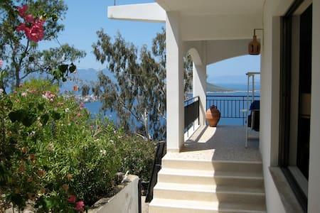 A romantic Villa on  Aegina Island - Aegina - Haus