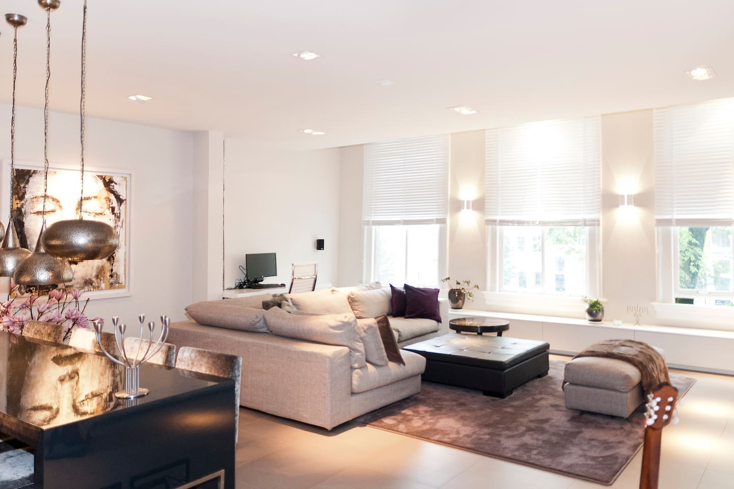 Spacious 7 meters wide living room overseeing Amsterdam's most beautiful and quite canal