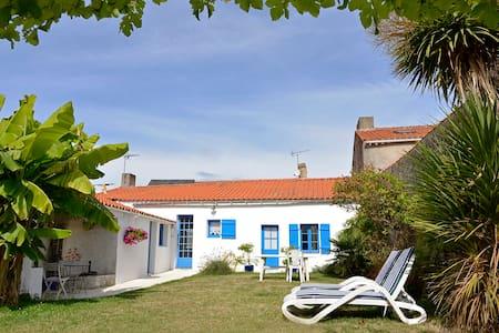 Maison de charme bourg de Bouin - Bouin - Haus