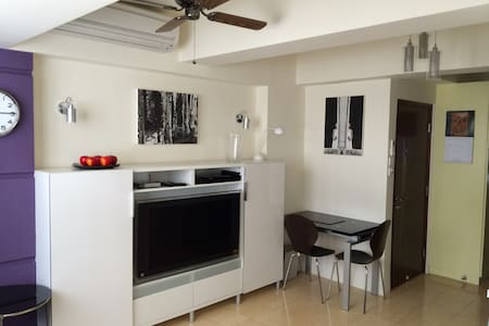 Studio + Roof Terrace - Sheung Wan