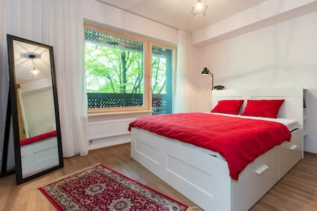 New, cozy, quiet design apartment in city center. - Tallinn - Appartement