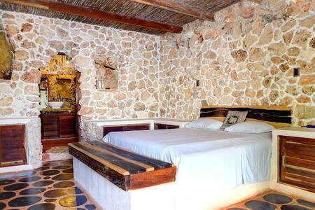 Near Tikal, 4B house,private beach - Haus