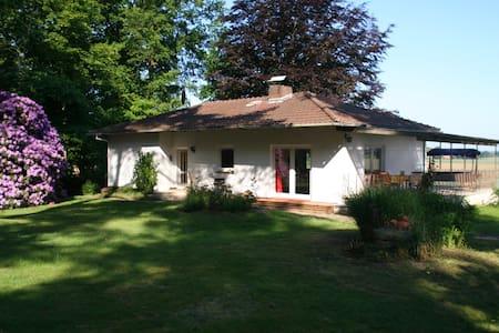 Ferienhaus in Woepse - Rumah