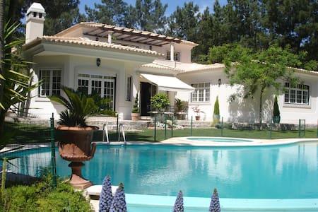 Villa Oasis B&B Suite Garden - Azeitão - Bed & Breakfast