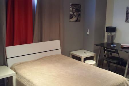 Chambre avec Petit Déjeuner - Appartement