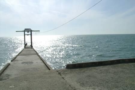Эллинг на берегу Черного моря