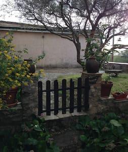 Charmante maison de hameau - Saint-Antonin-du-Var - Ev