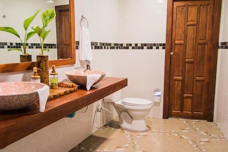 Rasdhoo Dive Lodge, Maldives - Rasdhoo Island - Bed & Breakfast