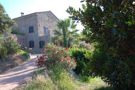 Un havre de paix en Corse du Sud - Rumah