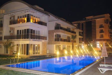 PENTHOUSE - LUXURIOUS - 4 BEDROOM - Apartment