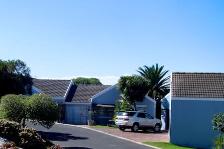 St. Claire Selfcatering Cottages - Saldanha