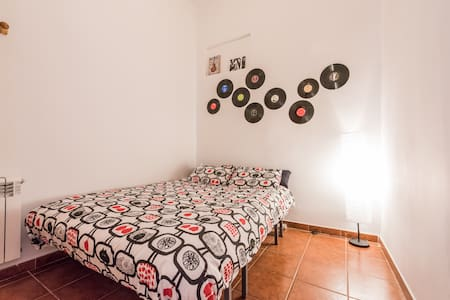 Blues Room in Madrid centre - Madrid - Apartment