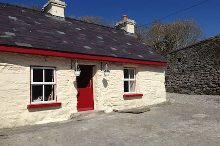 Fermoyle Farmhouse Self Catering - Cabin
