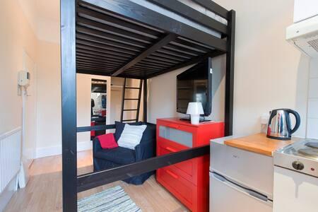 Compact Studio - Earls Court