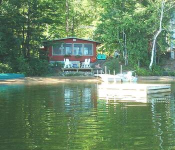 Beautiful beach lakefront cottage - Stuga