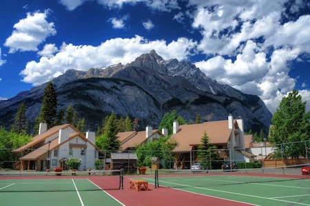 1 bed Banff Rocky Mountain Resort