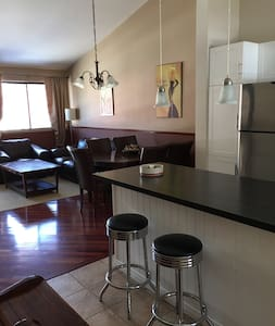 Inviting bright condo 20 min quebec - Stoneham-et-Tewkesbury