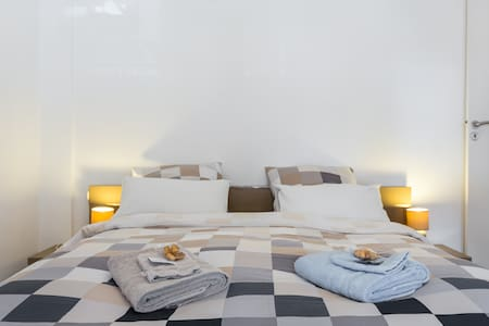 New ! Room B&B Cannes  with balcony - Cannes - Apartment