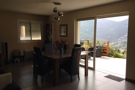 Villa au calme et proche de Nice - Contes - Casa