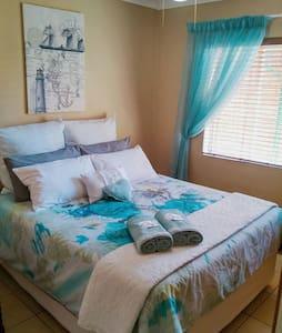 Charming Spacious Flat to rent - Pretoria - Apartment