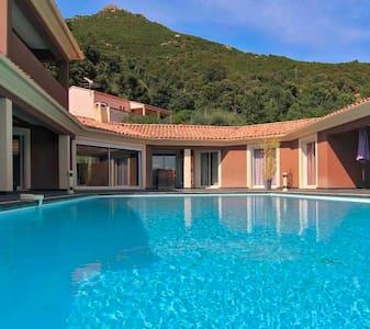Luxueuse villa proche d'Ajaccio - Ocana