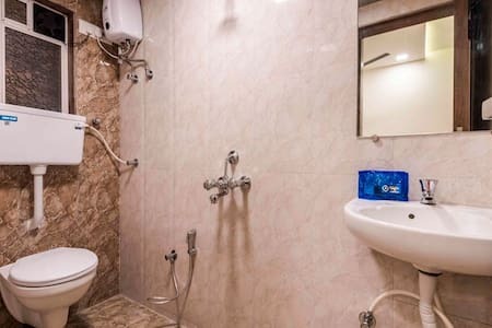 PRIVATE ROOM  IN KAMOTHE NAVI MUMBAI - Apartemen