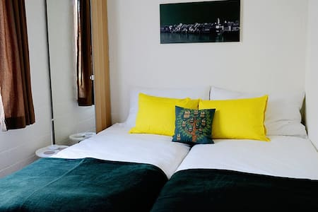 Single, or small double room. - Rheinfelden - Bed & Breakfast