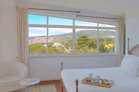 """Atlantic Panorama"" Suite - Cascais - Casa"