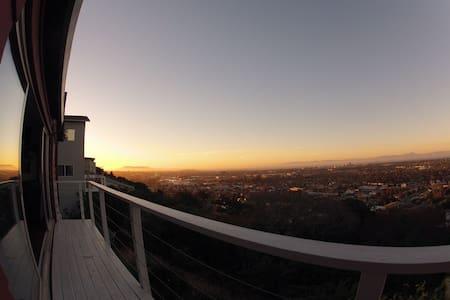 Belmont Hill House w. Amazing Views - Belmont - House