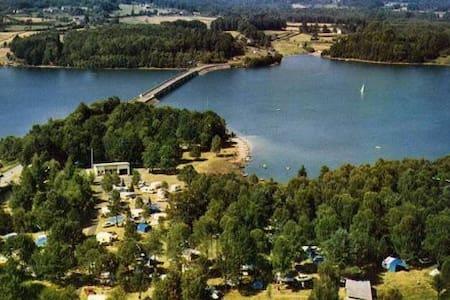 Emplacement privilégié sur  le lac - Dom