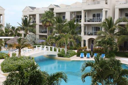 Luxury  Grace Bay Condo: Great Rate - Providenciales - Kondominium