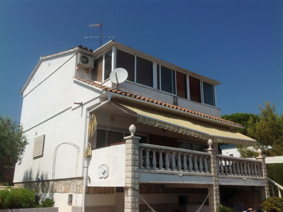 A nice family house 7 min walking to the beach of Calafell