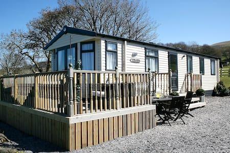 Luxury Farm Tranquil Snowdonia Leisure Home - Lomamökki