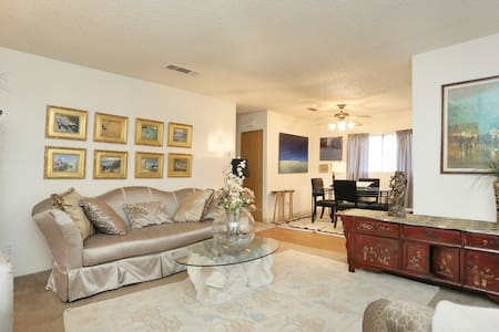 Walk 2 Strip 4 min Quiet location - Las Vegas - Apartment