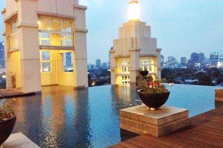 Cosy 1BR in Menteng Central Jakarta - Leilighet