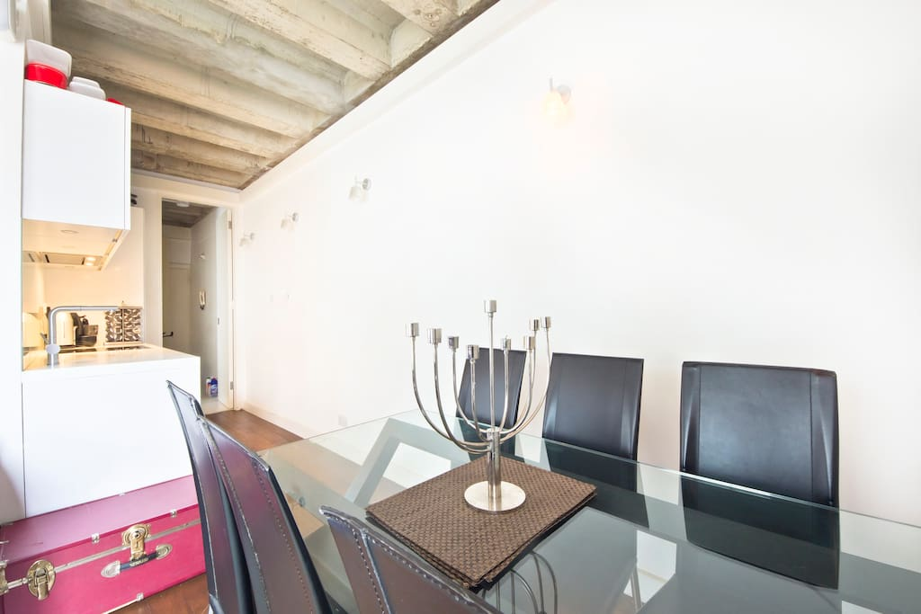 Quiet, Very Central 1 Bed Soho Flat