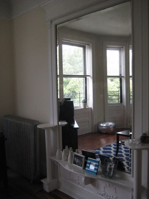 Sunny, spacious ParkSide apartment