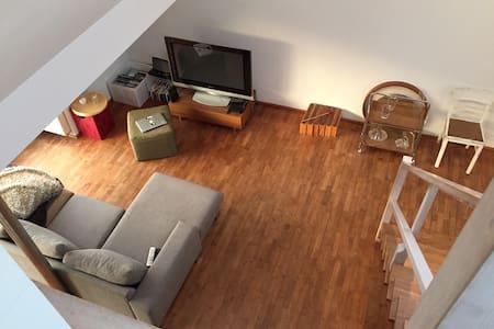 70 qm country house loft Ehrenfeld - Colonia - Loft