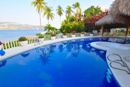 3 Villas w/ private beach & pool