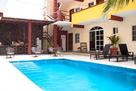 HOTEL PARAISO MEXICANO SINGLE ROOM - Isla Mujeres - Apartment