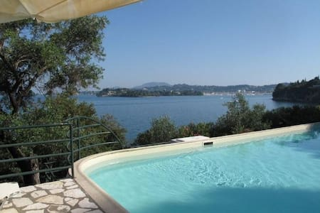 Villa with private beach and pool - Corfu - Villa