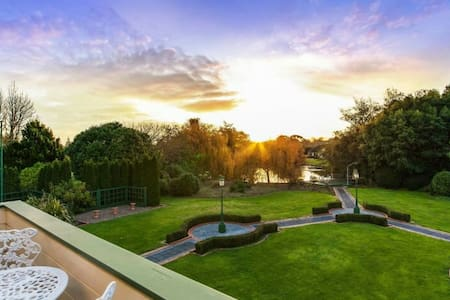 Luxury lifestyle mansion & garden - Karaka - Huis
