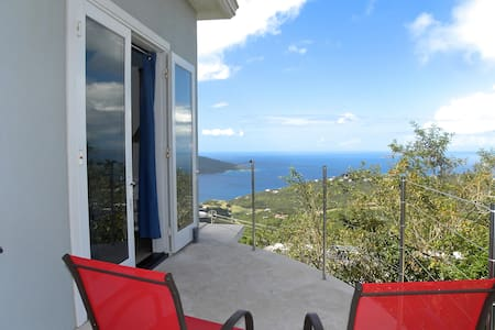 Private, bd/ba with view East Room - St Thomas - Casa