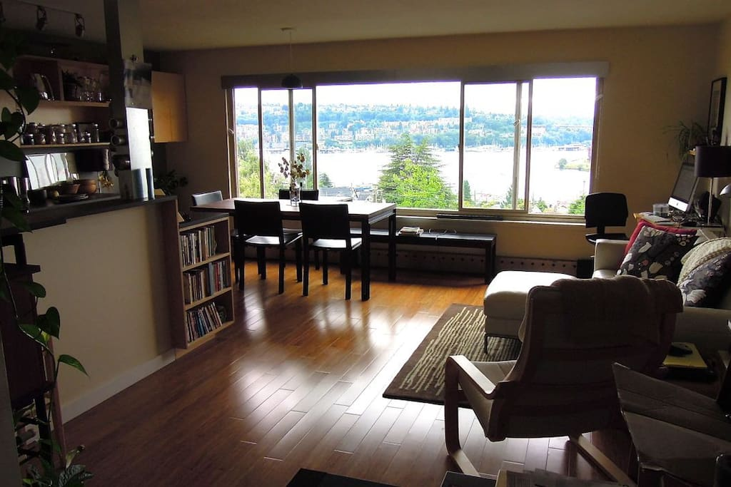 Living/Dinning/Kitchen with view of Lake Union